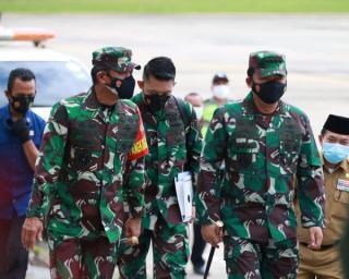 Pangdam II/Sriwijaya Bersama Forkopimda Jambi Menyambut Panglima TNI dan Kapolri