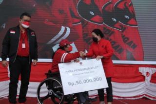 Ketua DPR RI Berikan Penghargaan Bagi Tim Paralimpiade Tokyo 2020