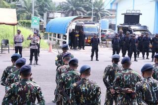 Polda Sumsel Berangkatkan Seratus Personel Satbrimob ke Papua