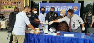Sebanyak 125 Gram Sabu dan 1 Kg Ganja Dimusnahkan Satres Narkoba Polres Kampar